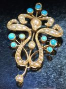 15ct Gold Pendant set with seed pearls and Turquoise total (weight approx 6g).