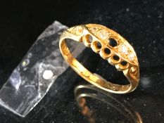 18ct Gold Diamond five stone Boat ring Chester Hallmarked 1920 (total weight approx 3g)