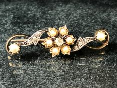 15ct Gold brooch set with seed pearls and a central Diamond (total weight approx 4.8g A/F)