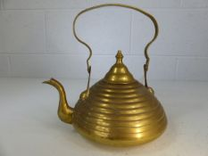 Pretty brass kettle of diminishing cylindrical form approx 1.3kg