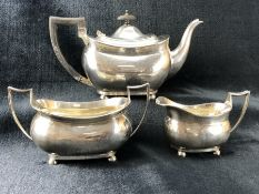 Silver hallmarked to set to include Silver hallmarked teapot (approx 619g), Silver hallmarked