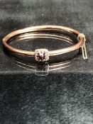 Victorian Yellow Metal (gold) Hollow tube approx: 3.8mm hinged bangle A/F, with an approx: 9.8mm