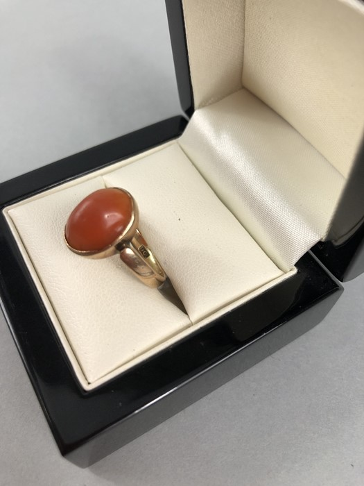 Lot 321 - 9ct Gold ring set with Amber coloured stone (total weight approx 3g)