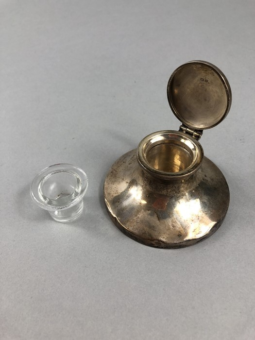 Lot 32 - Silver hallmarked inkwell with original glass liner (no chips) Birmingham maker H.V.W