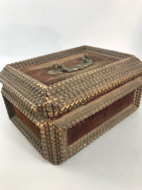 Lot 15 - Large rare German WW1 trench art box. Dimensions approx. 25cm x 19cm x 13cm.