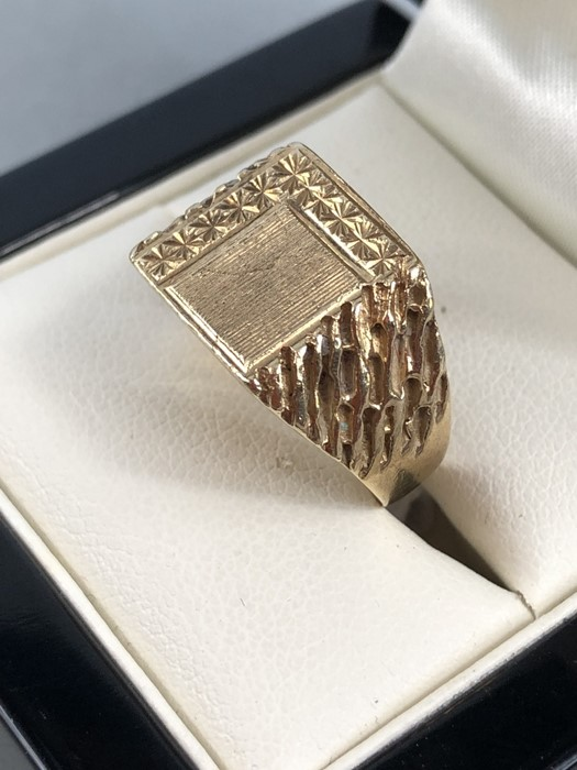 Lot 41 - (ct Gold ring size N.5 approx 7.3g