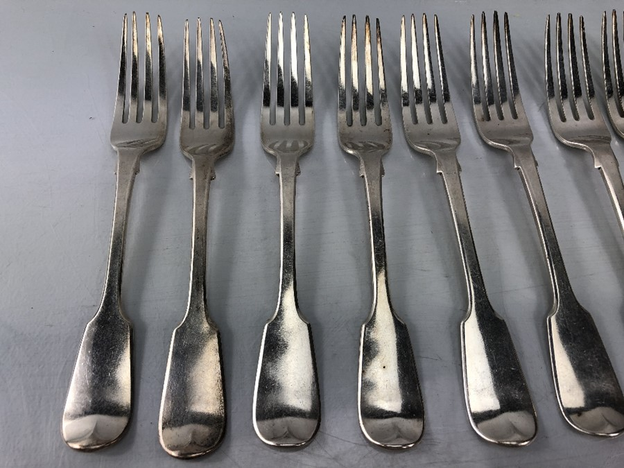 Lot 15 - Collect of twenty hallmarked London Georgian forks, ten of each size all with a lion emblem (total