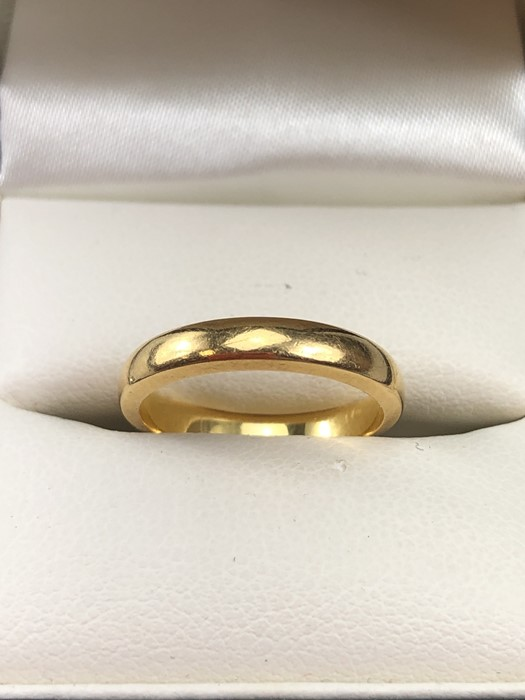 Lot 54 - 22ct hallmarked Gold band size 'I' and approx 3.9g