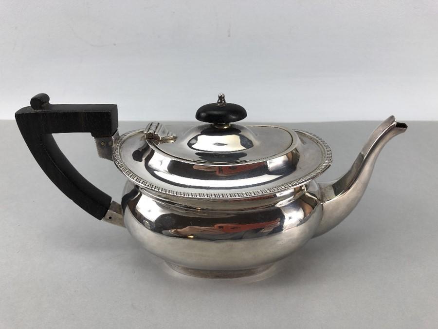 Silver Hallmarked Edwardian Teapot Birmingham 1903, Williams (Birmingham) Ltd approx. 407g - Image 4 of 6