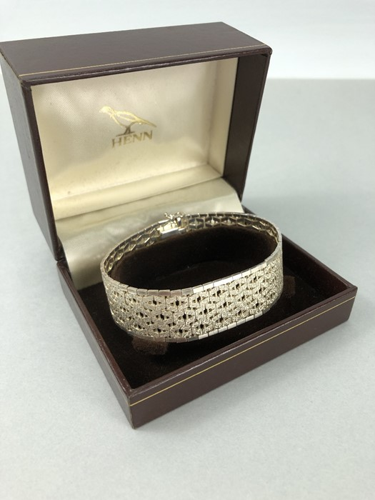 Silver hallmarked two tone Bracelet marked 925 and maker DJE - Image 7 of 7