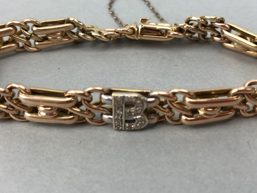 15ct Gold bracelet with diamond encrusted Letter 'B' and safety chain total weight approx 18.7g - Image 2 of 6