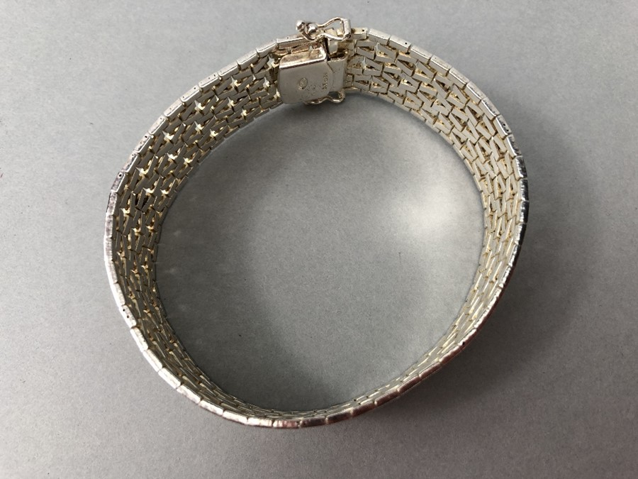 Silver hallmarked two tone Bracelet marked 925 and maker DJE - Image 3 of 7