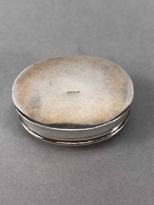 "Small Hinged Silver pillbox marked 925 and maker ""CLE"" - Image 7 of 8"