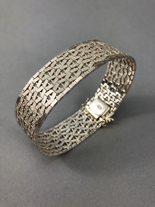 Silver hallmarked two tone Bracelet marked 925 and maker DJE - Image 4 of 7