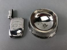 Silver hallmarked items to include a match striker marked with Lion Passant Sterling 1676