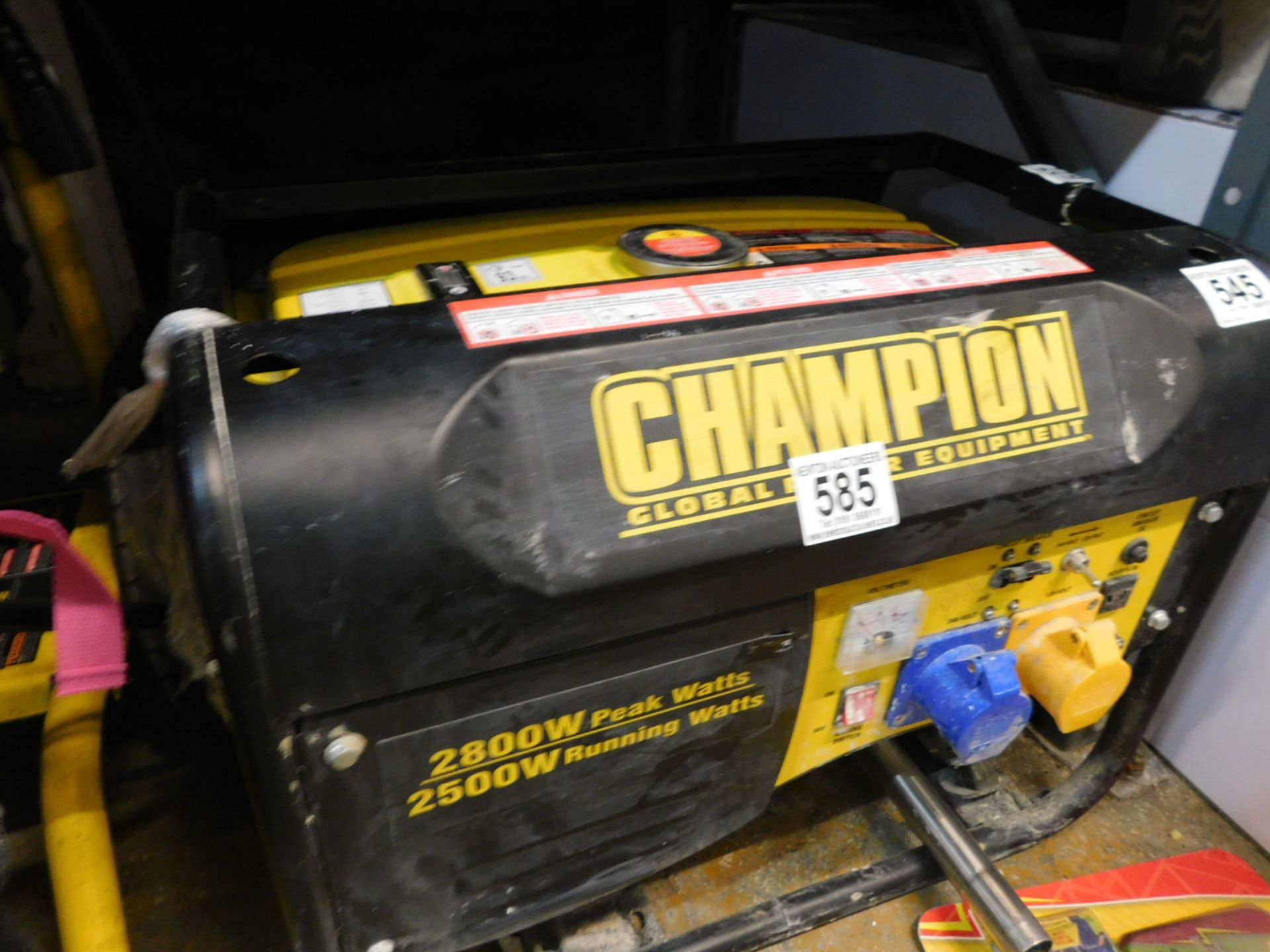 Lot 585 - 1 CHAMPION 196CC CPG3500 50HZ 120/240V PETROL GENERATOR RRP £349.99