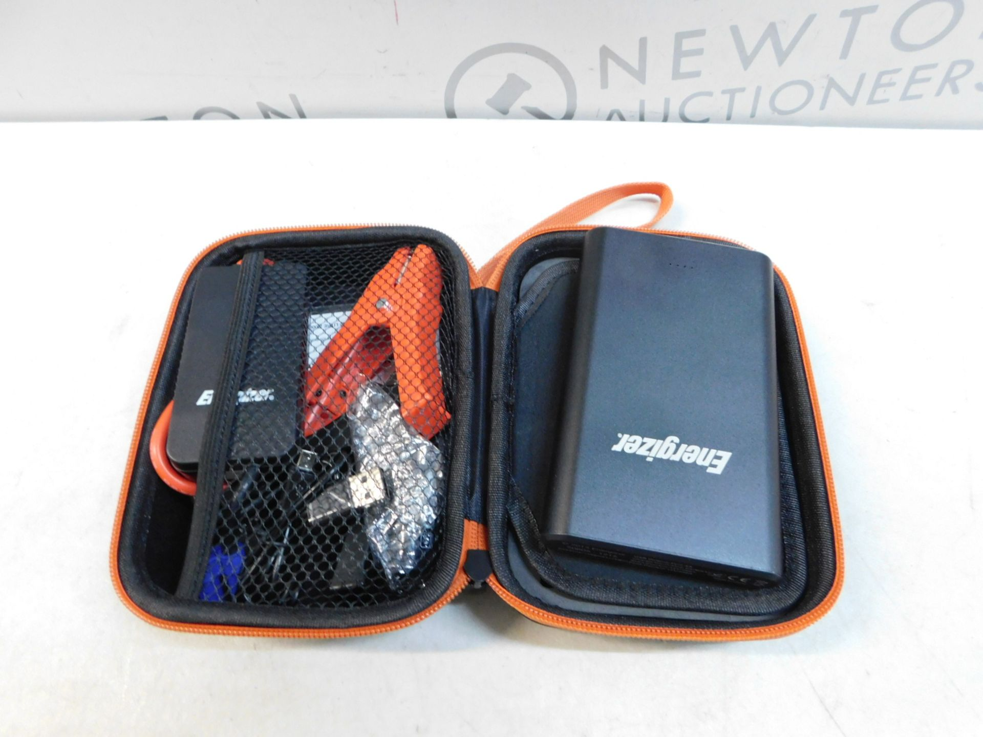 Lot 149 - 1 ENERGIZER LITHIUM-POLYMER CAR JUMP STARTER 7500MAH WITH CARRIER CASE RRP £89.99