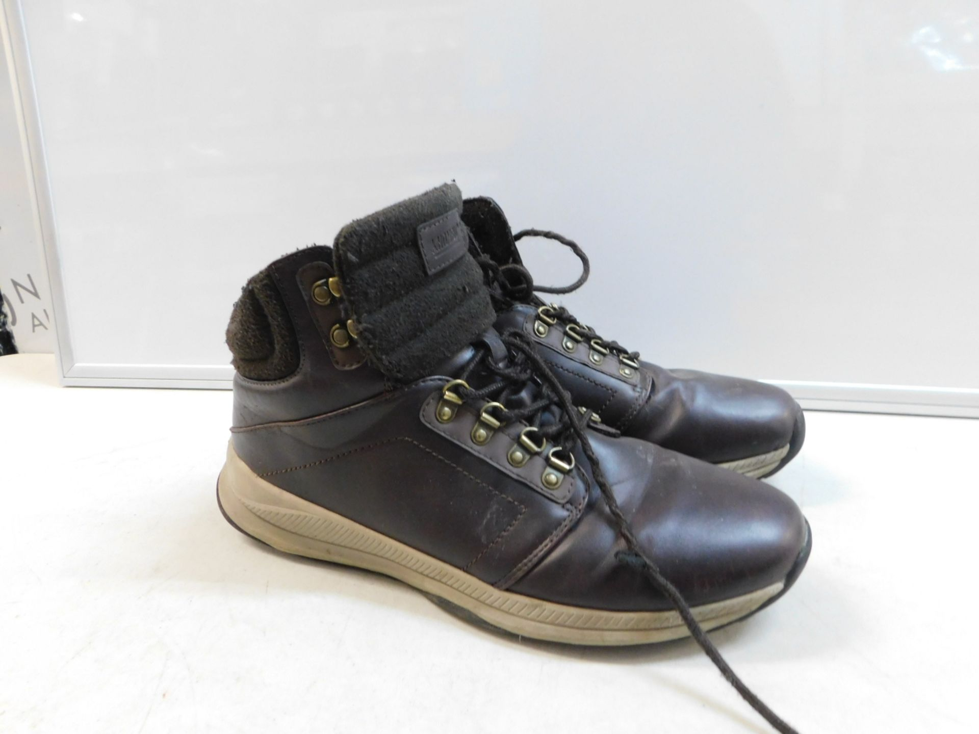 Lot 480 - 1 PAIR OF KHOMBU MENS ALL TERRAIN BROWN BOOTS UK SIZE 11 RRP £34.99