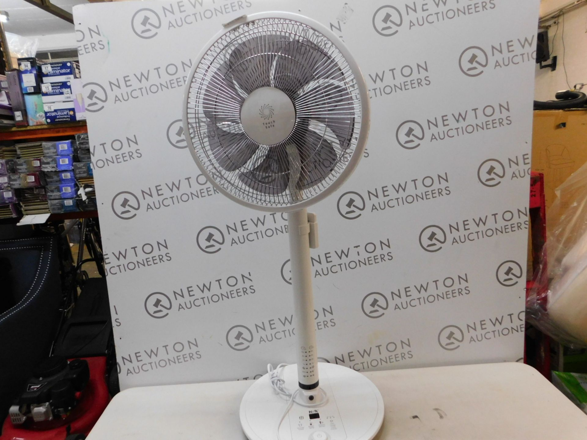 "Lot 288 - 1 NSA SFDC-30213RC 12"" INTELLIGENT TOUCH SAFE PEDESTAL FAN RRP £139.99"