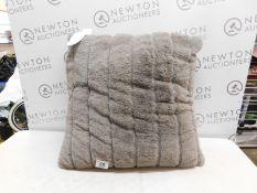 1 ARLEE HOME FASHION LARGE GREY CUSHION RRP £29.99