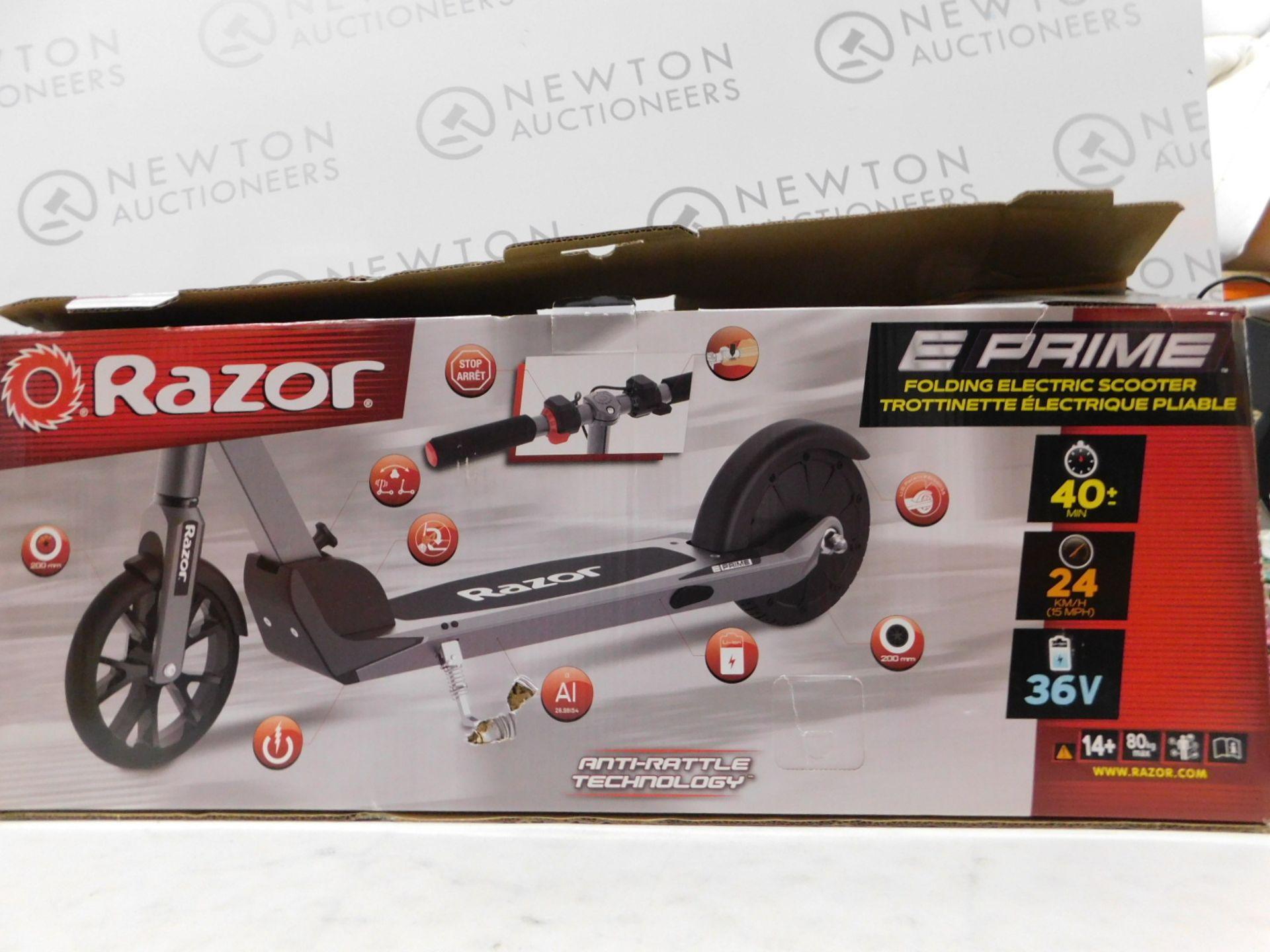 Lot 211 - 1 BOXED RAZOR E-PRIME FOLDING ELECTRIC SCOOTER RRP £399