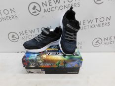 1 BOXED PAIR OF KIDS SKECHERS SPORT TRAINERS UK SIZE 4 RRP £39.99