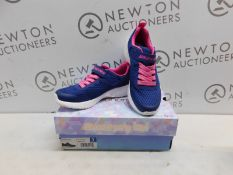 1 BOXED (DIFFERENT SIZES) PAIR OF KIDS SKECHERS NAVY/PINK TRAINERS (UK SIZE 2, SIZE 3) RRP £39