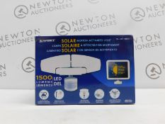 1 BOXED SUNFORCE LED TRIPLE HEAD SOLAR MOTION ACTIVATED LIGHT RRP £79.99
