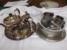 2 trays of plateware incl. a 3 piece tea set on tray, ale tankards etc.