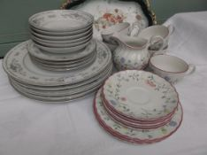 'Dianne' Japenese porcelain china tea and dinner plates (15 pieces) and a part Johnson Brothers