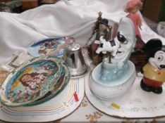 2 trays of curios incl. miniature musical plates, man in the moon cow ornament etc.