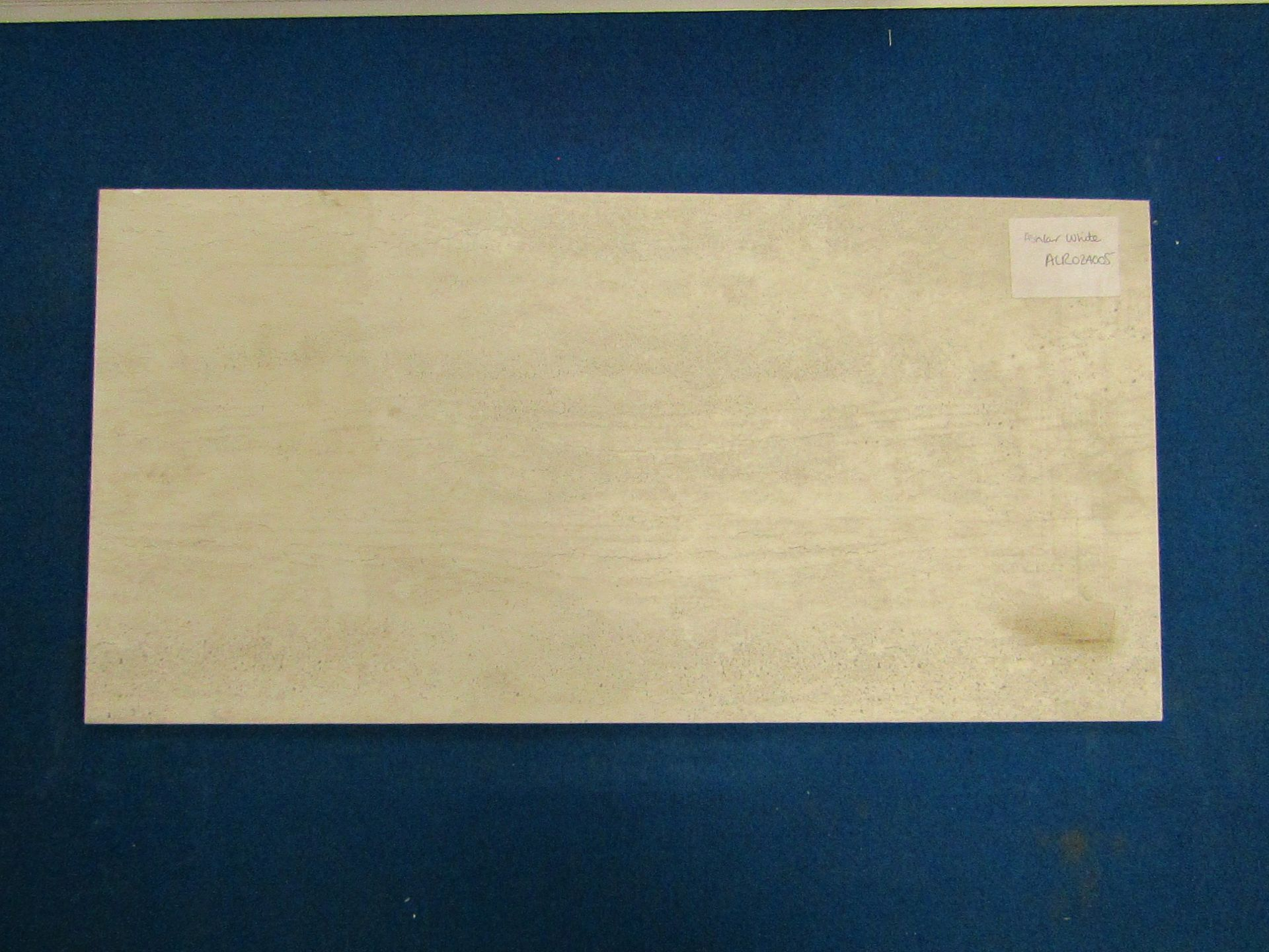 Lot 44 - Pallet of 40x Packs of 5 Aslar White 300x600 wall and Floor Tiles By Johnsons, New, the pallet