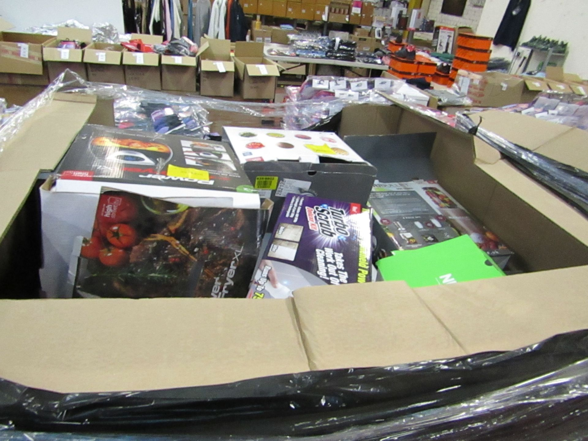 Lot 5 - |APPROX 40X | THE PALLET CONTAINS NUTRI BULLETS, AIR HAWKS, AIR FRYER XL'S, RED COPPER CHEFS, X