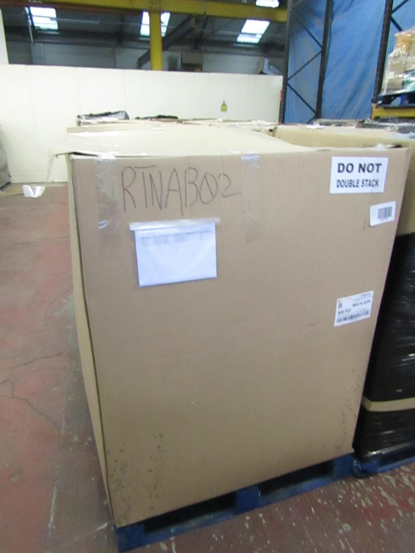 Lot 15 - | 34X | THE PALLET CONTAINS VARIOUS SIZED YAWN AIR BEDS | BOXED AND UNCHECKED | NO ONLINE RE-