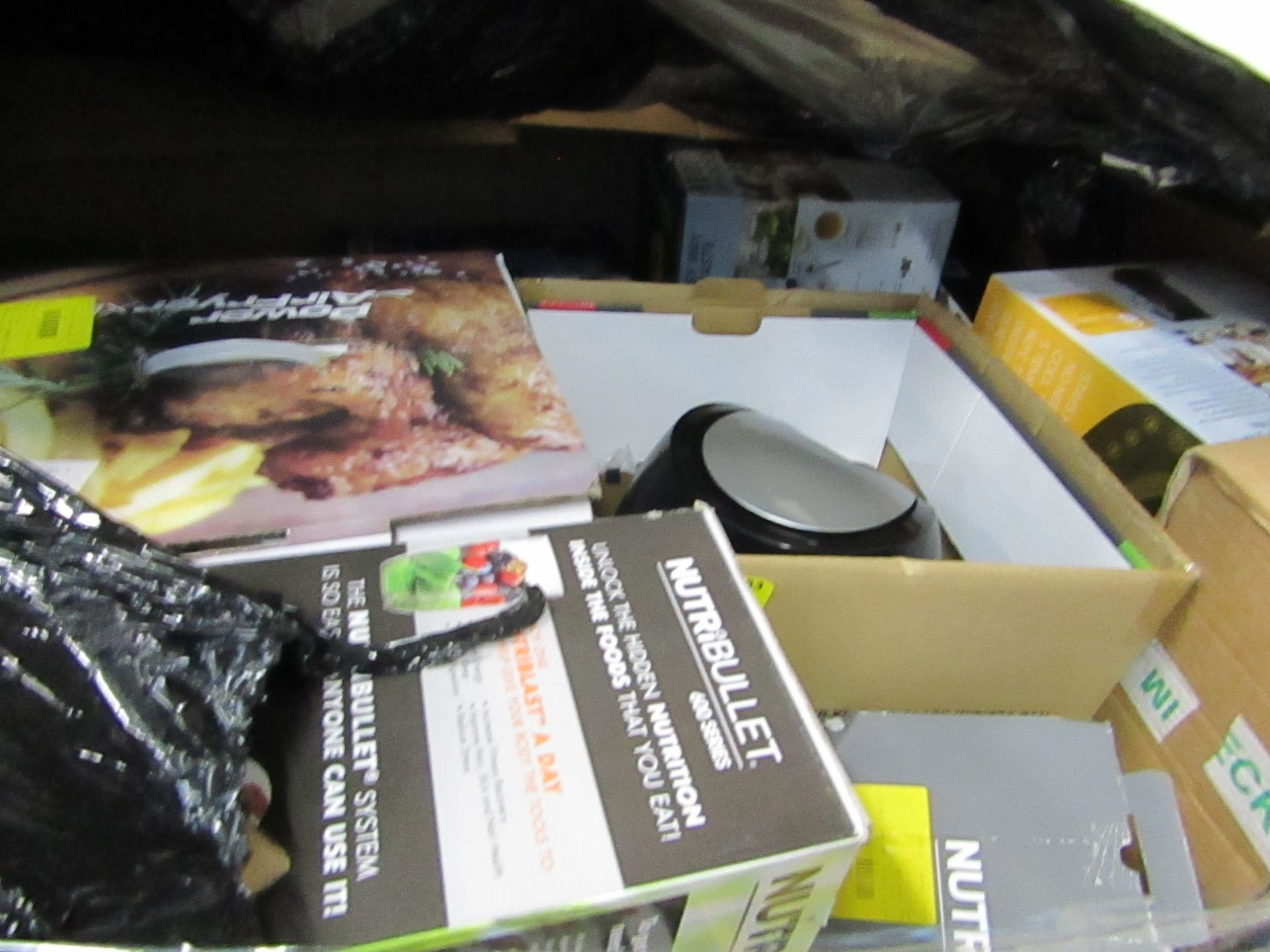 Lot 22 - | APPROX 45X | THE PALLET CONTAINS NUTRI BULLET, AIR FRYER XL'S, AIR HAWK AND MORE | BOXED AND