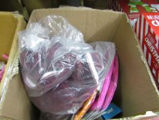 Box of assorted items includes dining chair covers & Table cloths