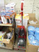 Vax PowerMax Vacuum Cleaner. Powers on & Boxed