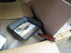 Medial Griddle Pan. New with tags & Packaged