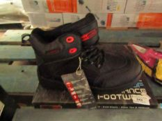 Black Rock safety Boots. Size 6. new & Boxed
