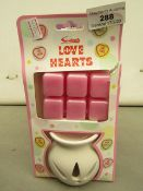 Love Hearts Burner with 6 Melts. New & packaged