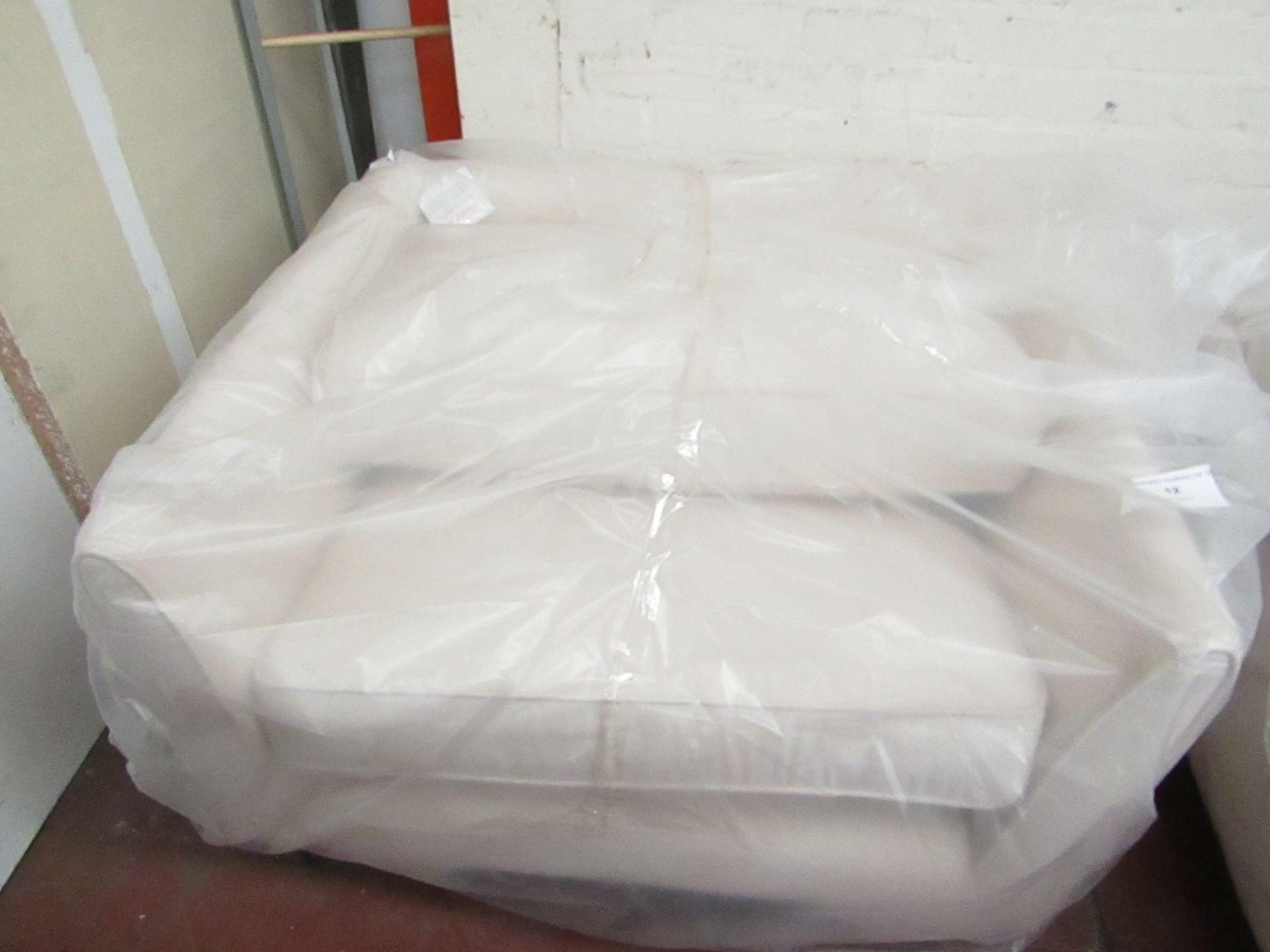 Lot 7 - White Meadow Snuggle Seat with Chrome Feet 1m x 1m ex-display