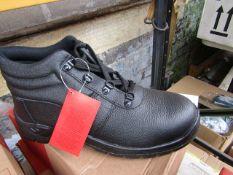 Centek Black Steel Toe Cap Boot size 9 new & boxed