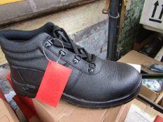 Centek Black Steel Toe Cap Boot size 10 new & boxed
