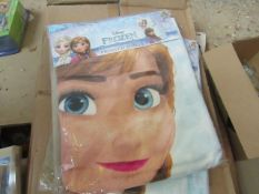 2 x Disney Frozen Printed Towels. New & Packaged