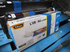 Fellowes L125 A4 laminator, untested and boxed.