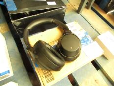 Sony WH-1000XM3 wireless noise cancelling headphones, tested working for audio only, mic untested.