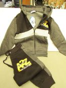 A - Z For Kids Tracksuit Age 9/10yrs New with tags