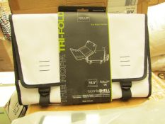 """Box of 5 Acme made The Tri Fold 15.5"""" Laptop Protectors. New & Packaged"""