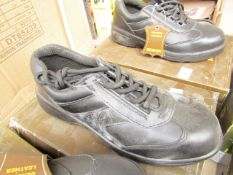 Beaver Genuine Leather safety shoes, unused, size 6, boxed