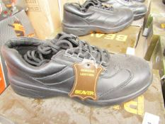 Beaver Genuine Leather safety shoes, unused, size 7, boxed